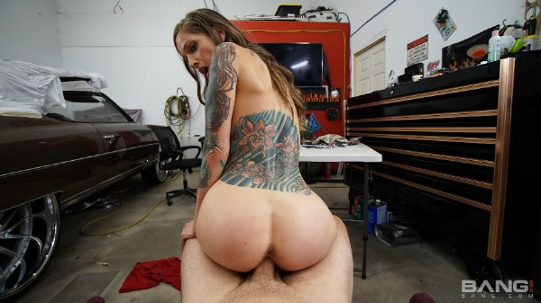 Tricia Oaks Fucks For Cash To Get Her Boyfriend Out Of Jail Bang!